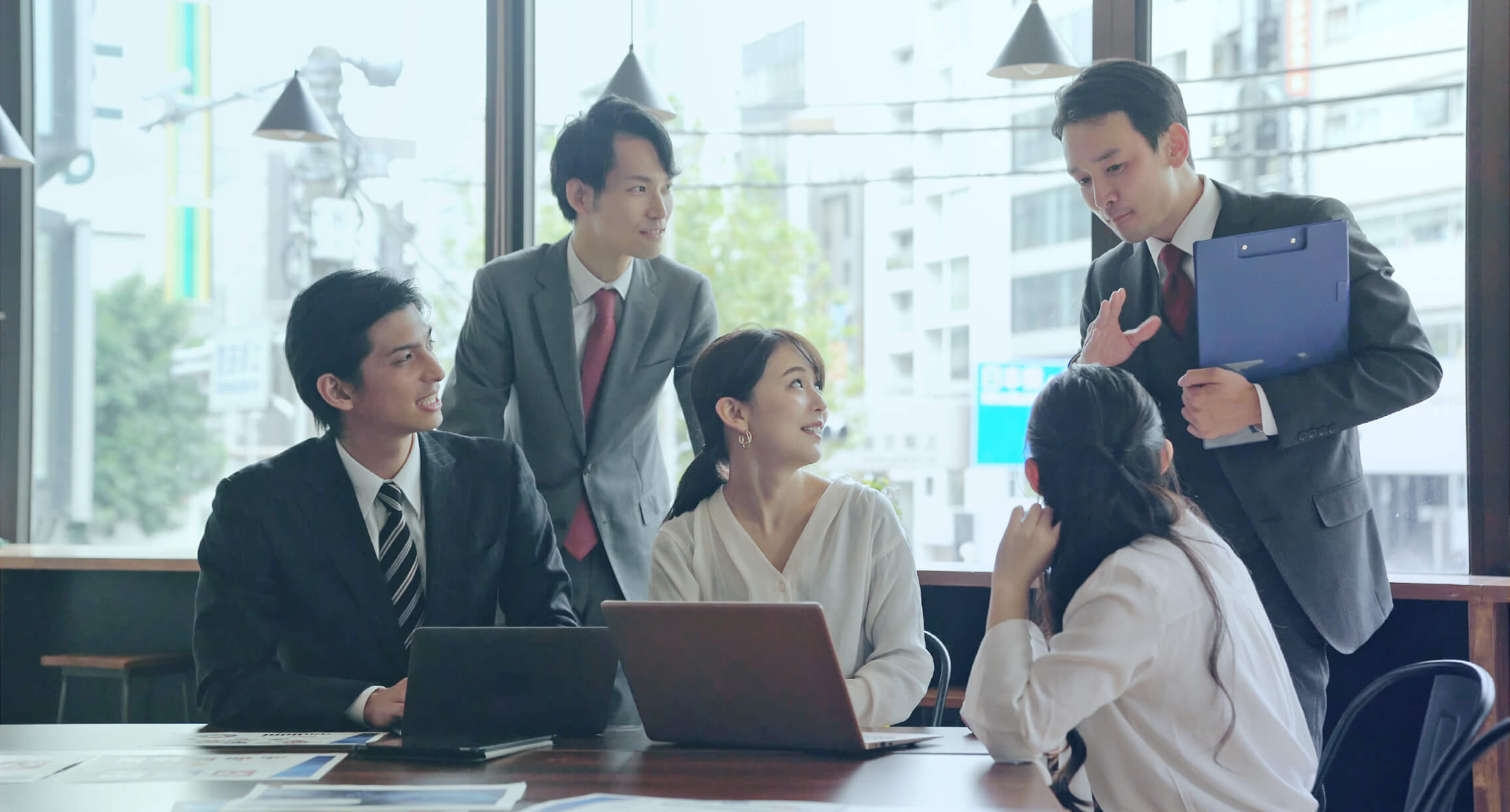"""HR Development 企業の伴走者としての高い意識で、人材を""""人財""""へと育成します。"""