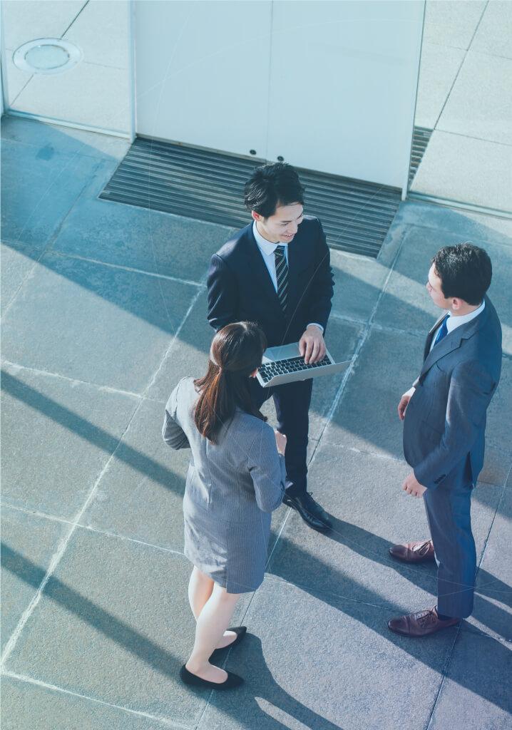 Corporate Consulting 安定経営と企業価値を再構築する企業研修とコンサルティングで、幅広い業種の企業を支援します。